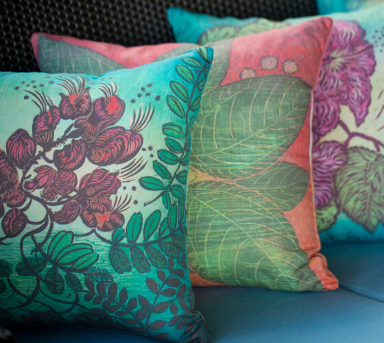 3 Pillows Uhiuhi